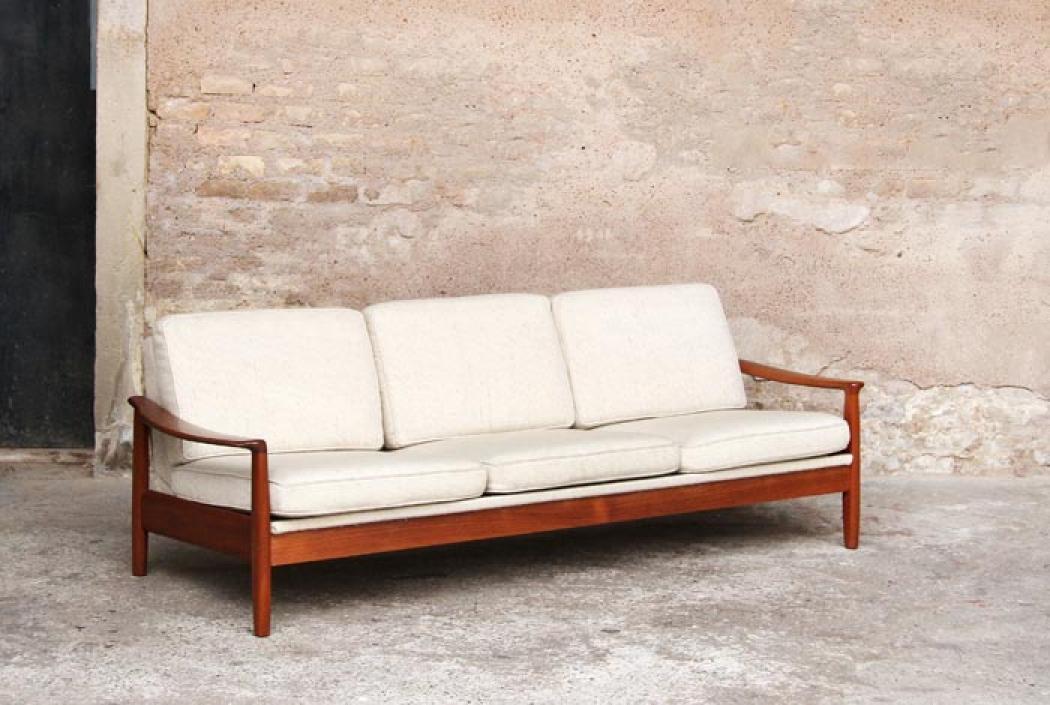 photos canap en bois et tissus. Black Bedroom Furniture Sets. Home Design Ideas