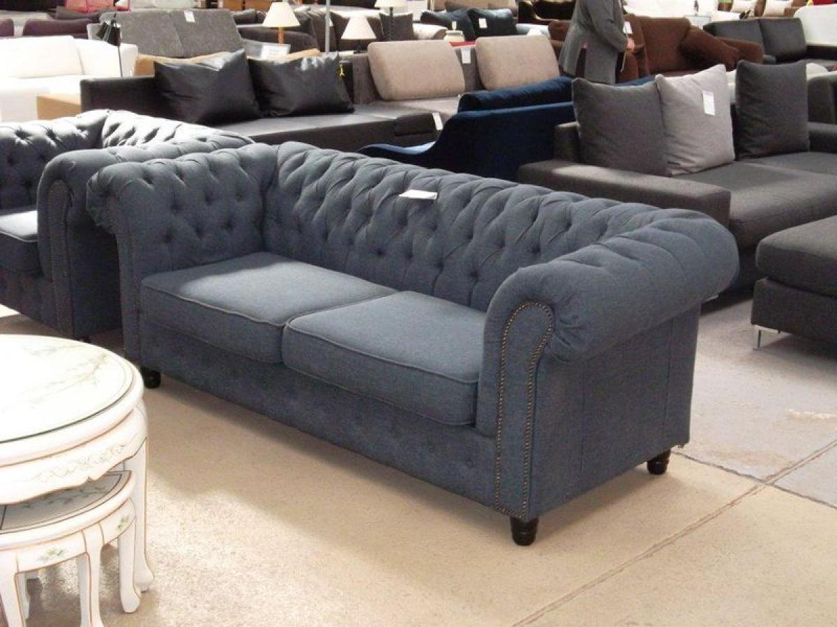 Photos canap chesterfield tissu gris for Canape chesterfield