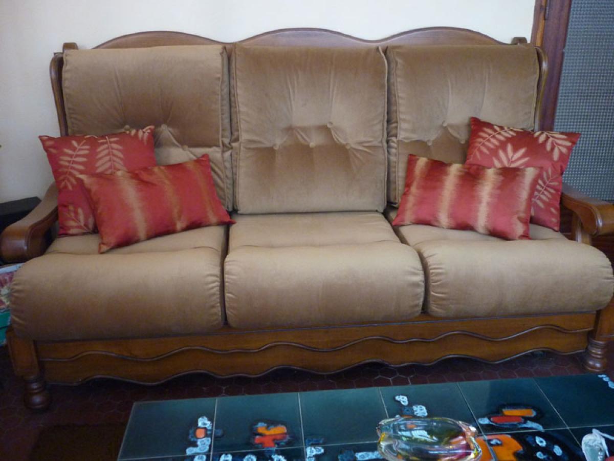photos canap ancien bois. Black Bedroom Furniture Sets. Home Design Ideas